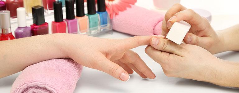 55093b6b2a605b6c6acd3870_manicure.jpg