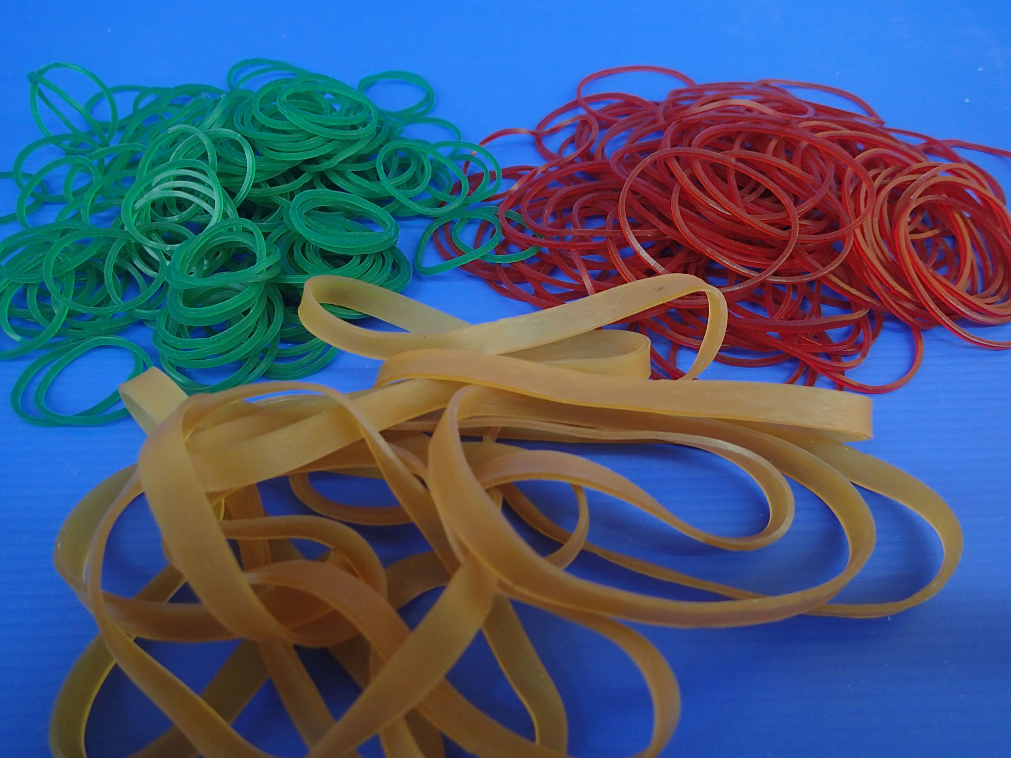 5360811bed8438507500038e_F3%20Rubber%20Bands.jpg