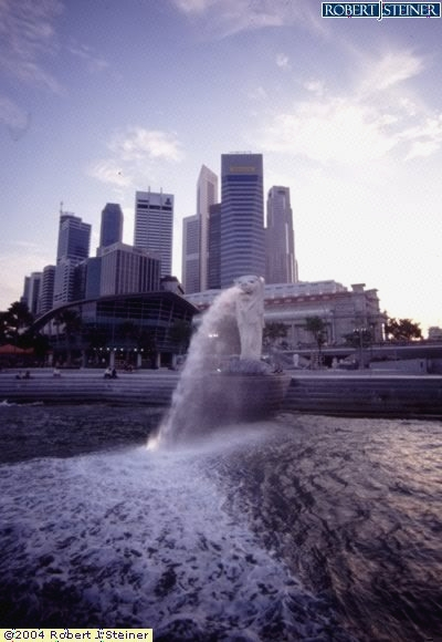 Merlion, Fullerton - Overview