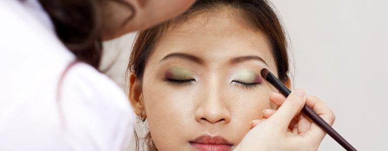 5523d49ae6172dc7166b3828_makeup.jpg