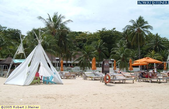 Sentosa Beaches, Tanjong Beach, Happening Beach Bar - km8